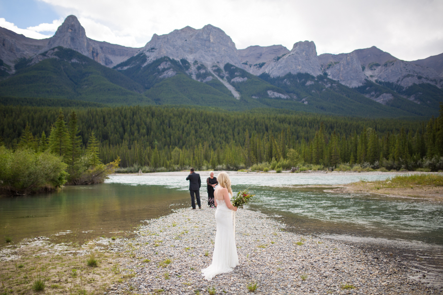 elopement in Canmore, canmore wedding photography