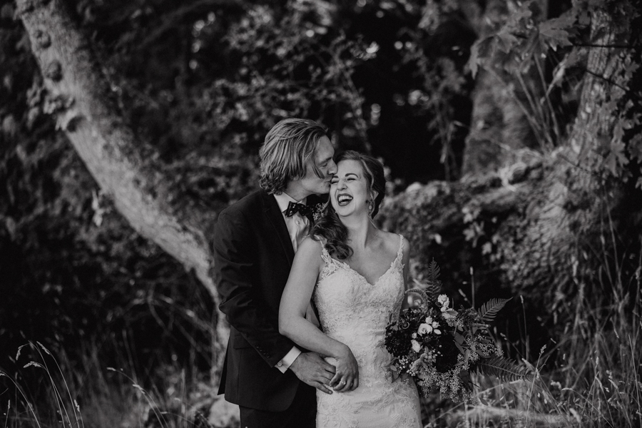 bride and groom on salt spring island