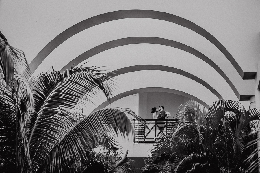 creative bride and groom shots, mexico wedding, at azul fives resort