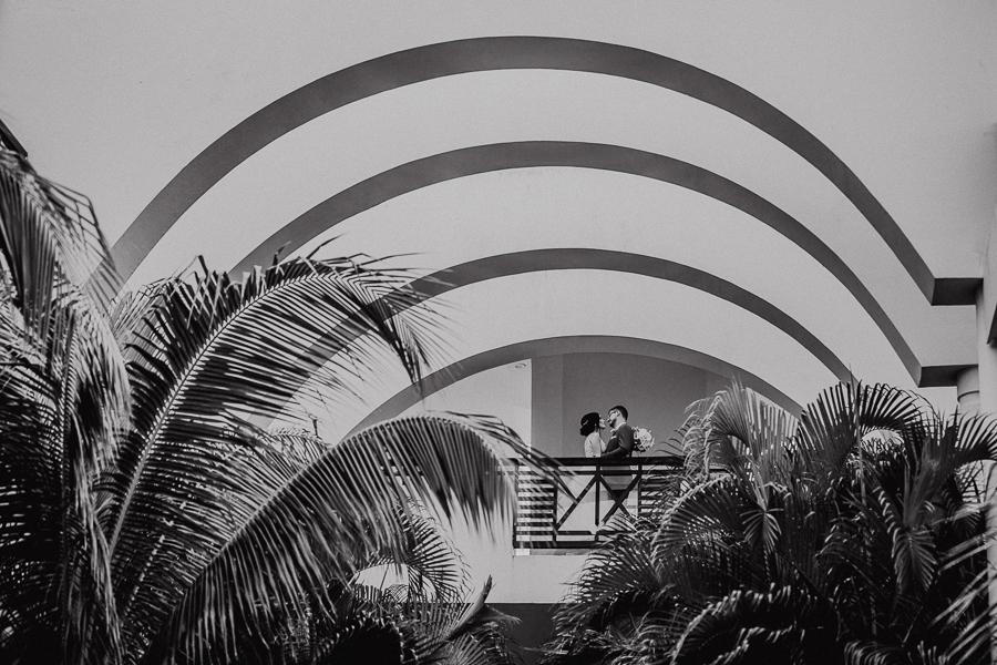 creative bride and groom shots, mexico wedding, at azul fives resort