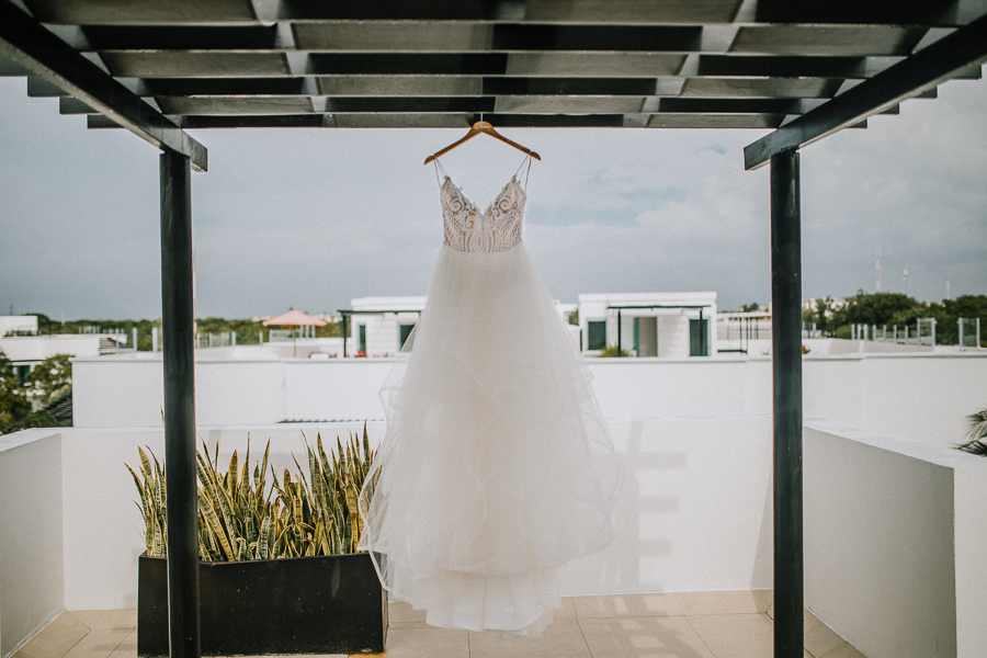 detail shoot of brides dress, hot dress for brides