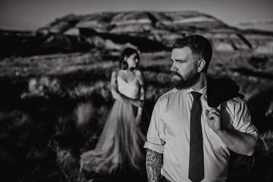 creative artistic groom shots from drumheller alberta