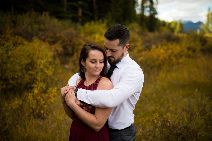 stunning canmore engagement in fall colours