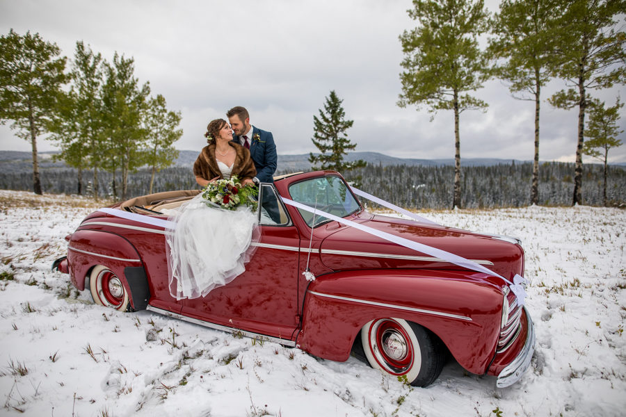 classic cars and weddings couples