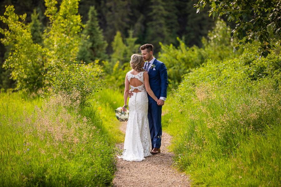 wedding photo from snow valley lodge edmonton