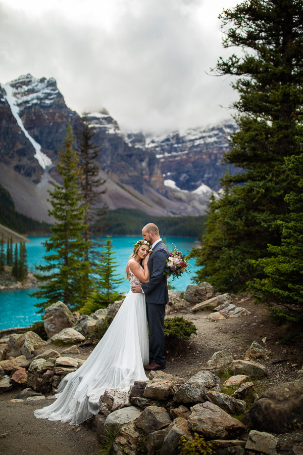 Moraine lake wedding gpictures