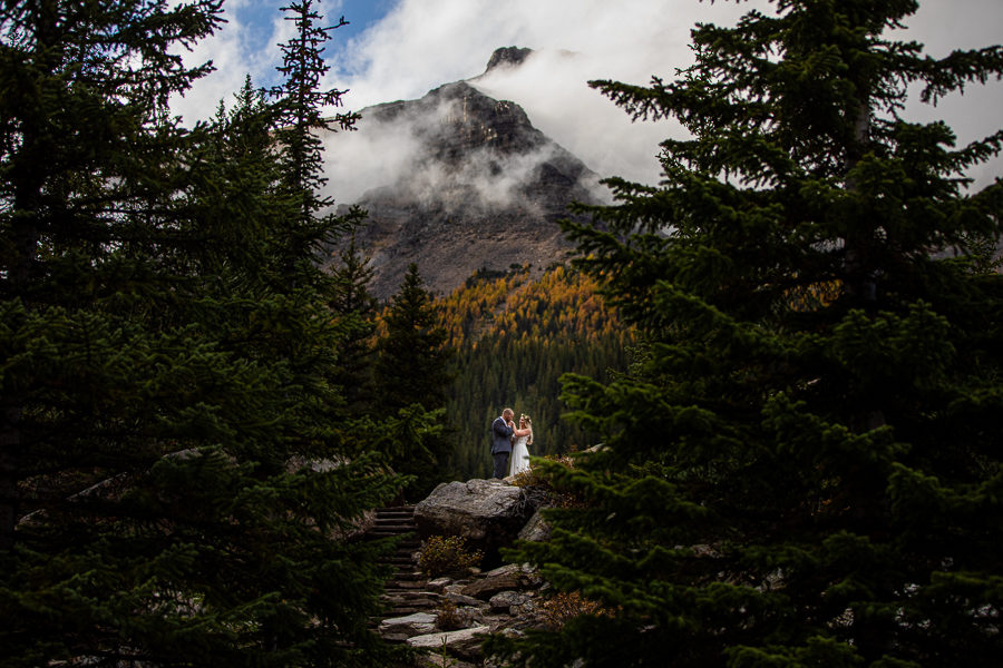 moraine lake wedding photographers