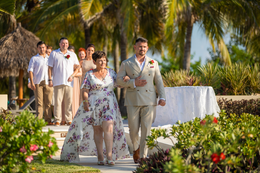 IBEROSTAR PLAYA MITA wedding - destination wedding photographer Cole Hofstra