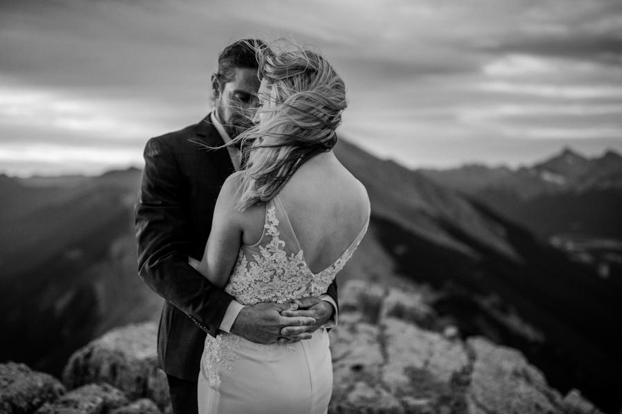 Calgary wedding photographer - Local calgary