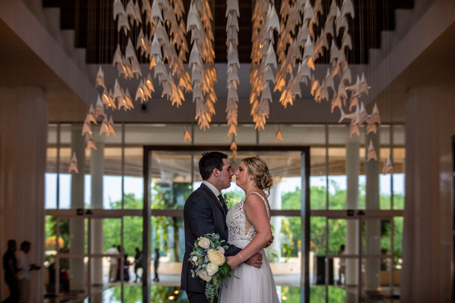 Now Jade wedding pictures in the lobby