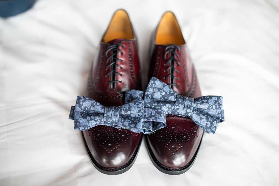 groom tie and shoes