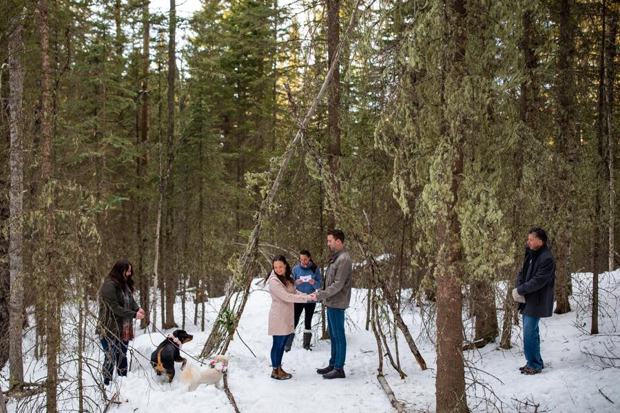 Social Distancing Wedding in Calgary alberta with everyone 6 feet apart