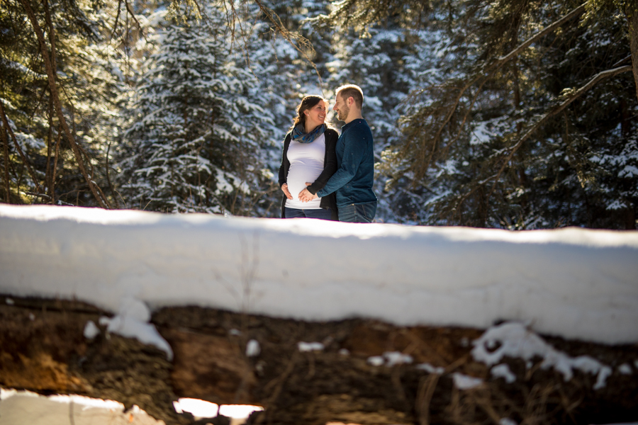 Maternity photos in Calgary fish creek park