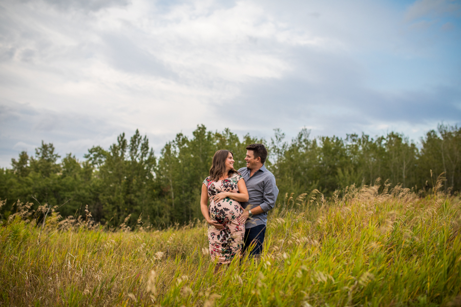 Edmonton maternity photography with a pregnant couple