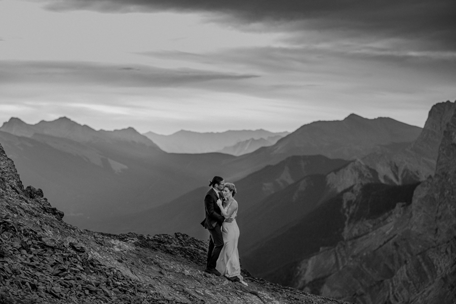elopement photo on top of EOR in canmore