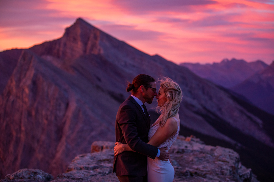 Elopement photography - Canmore elopement - Elope in the mountains