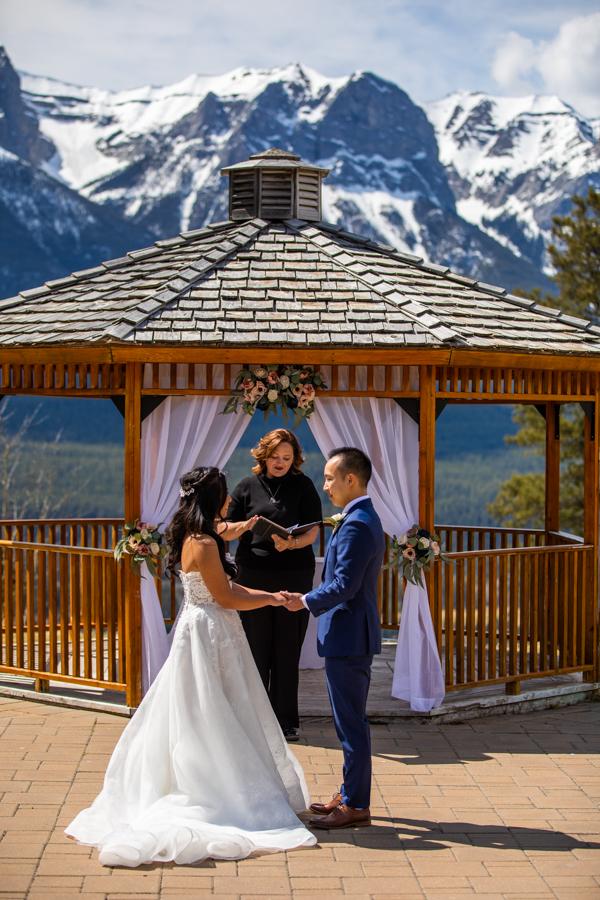 wedding at silvertip gazebo