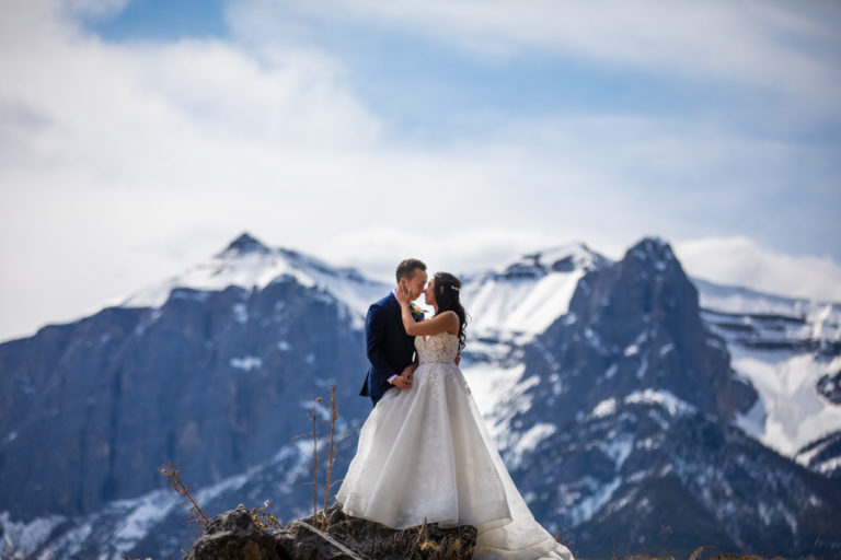 Canmore silvertip elopement