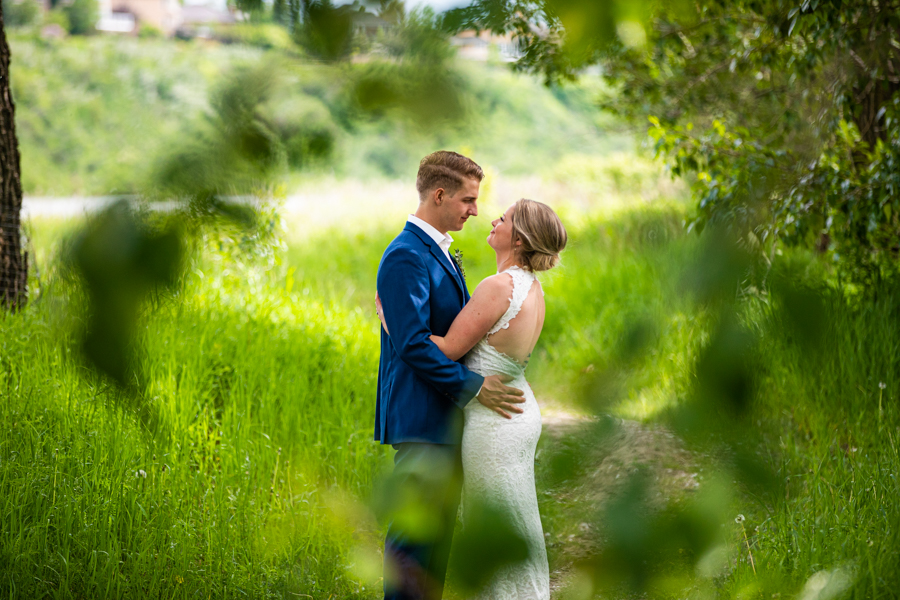 Fish creek park wedding elopement, Calgary wedding photographer