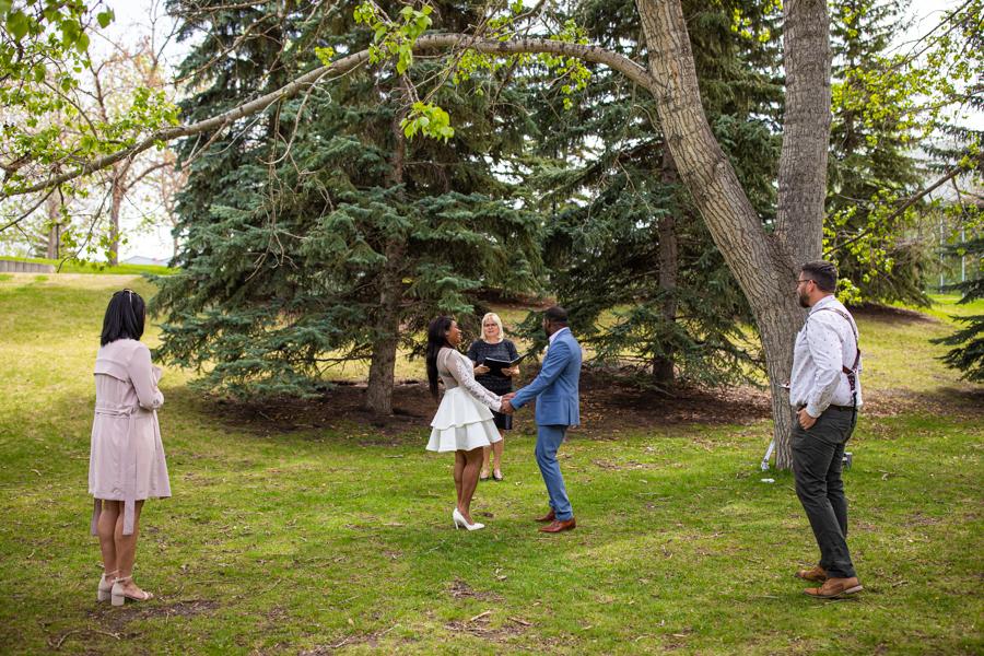 elope in Lindsay park