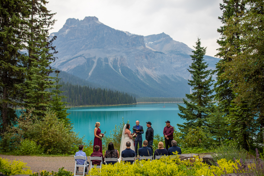 elopement at emerald lake