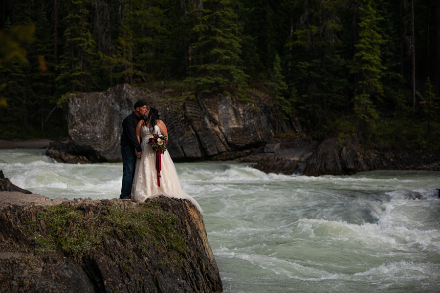natural bridge elopement photos