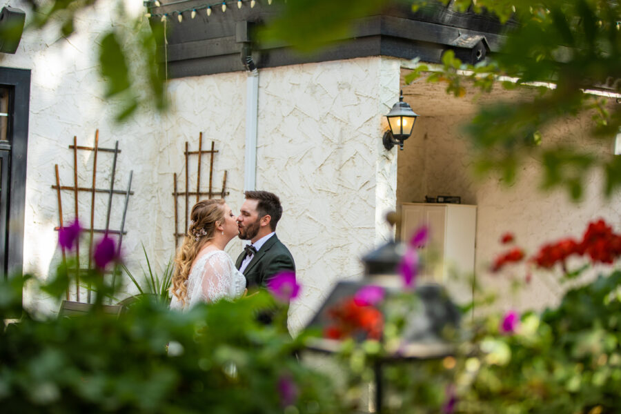 wedding photos at the Georgetown Inn