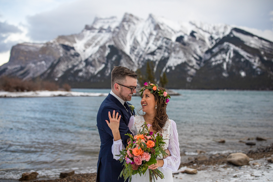 Lake Minnewanka wedding photos