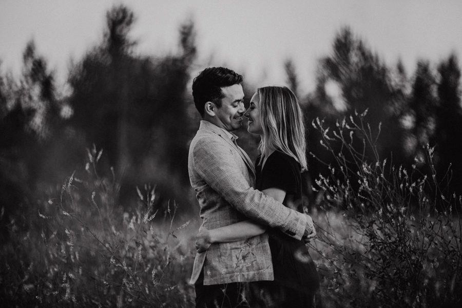 engagement photos in terwillegar park