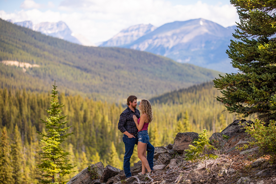 engagement photography in the mountains